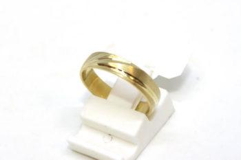05817aaf33 arany karika gyűrű